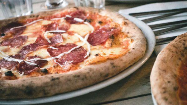 La nostra gustosa pizza alla pala e gli sfiziosi arrosticini